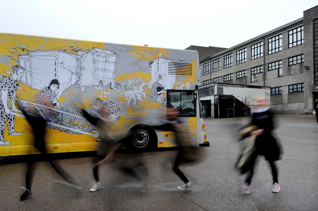Art Bus Travelling Gallery 02